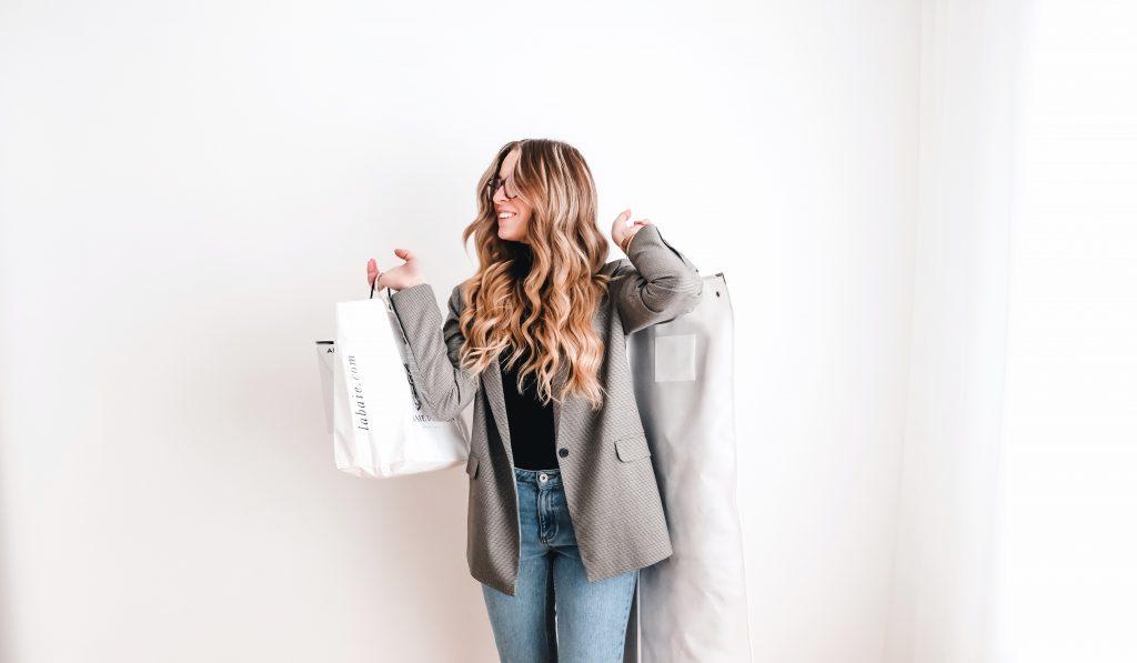 Justine Brouillettte - Service - Virée Shopping